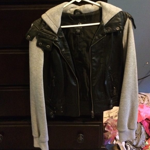 Men's Fashion Cloth Sleeves With Leather Jacket